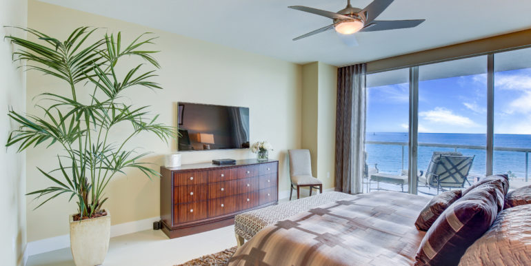 Plaza at Oceanside Pompano Beach Unit 1605-18