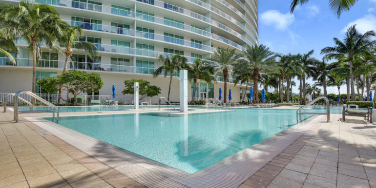 plaza-at-oceanside-1509-pompano-beach-1