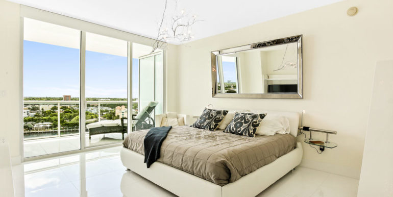 1 N Ocean Blvd 1013 Pompano-print-009-7-Master Bedroom-4200x2800-300dpi
