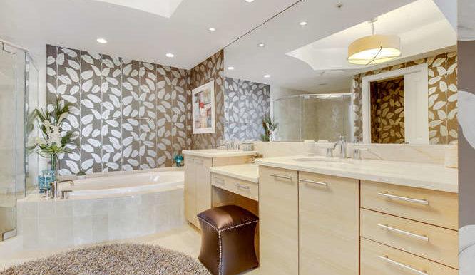 1-n-ocean-blvd-unit-1413-small-015-12-master-bathroom-666x444-72dpi