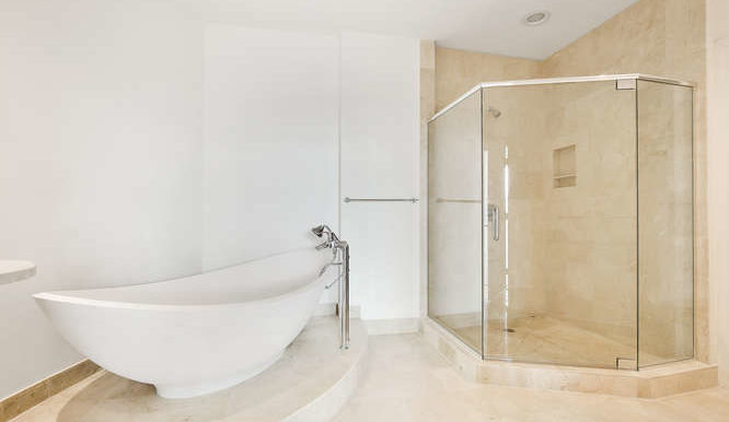 1-n-ocean-blvd-unit-203-small-020-9-bathroom-666x444-72dpi