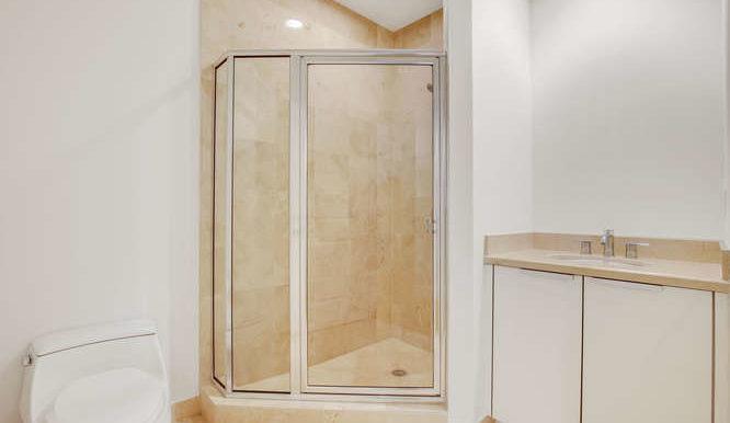 1-n-ocean-blvd-unit-204-small-015-11-bathroom-666x444-72dpi