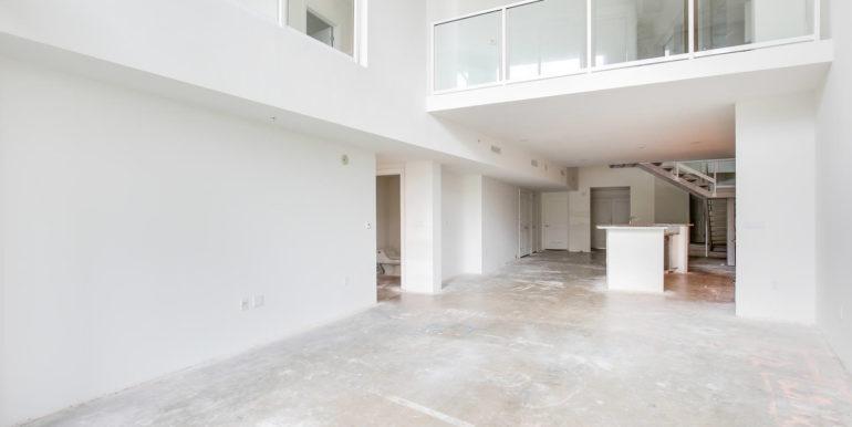 1-n-ocean-blvd-unit-205-large-004-4-living-room-1500x1000-72dpi