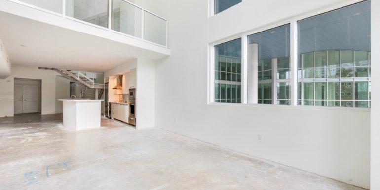 1-n-ocean-blvd-unit-205-large-005-3-living-room-1500x1000-72dpi