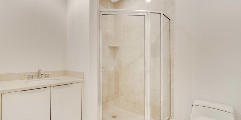 1-n-ocean-blvd-unit-205-large-018-14-bathroom-1500x1000-72dpi
