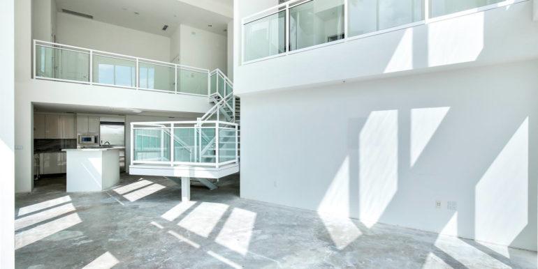 1-n-ocean-blvd-unit-207-large-005-13-living-room-1500x1000-72dpi