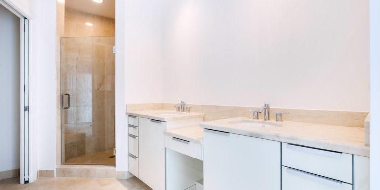 1-n-ocean-blvd-unit-207-large-016-10-master-bathroom-1500x1000-72dpi