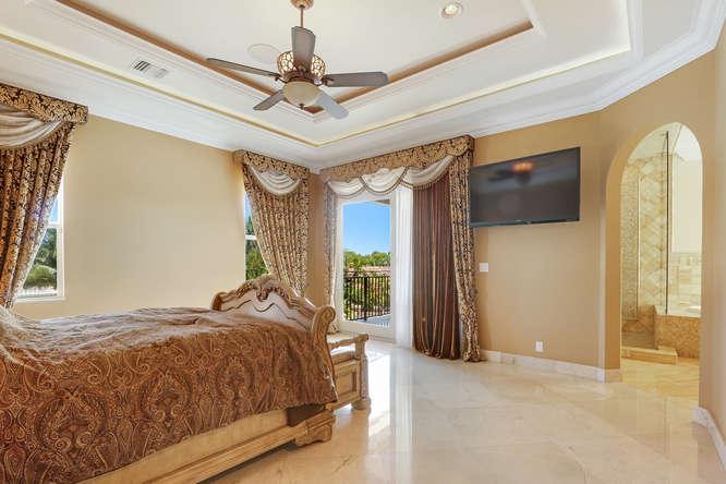 5560 Nassau Dr Boca Raton FL-small-014-24-Master Bedroom-666x445-72dpi