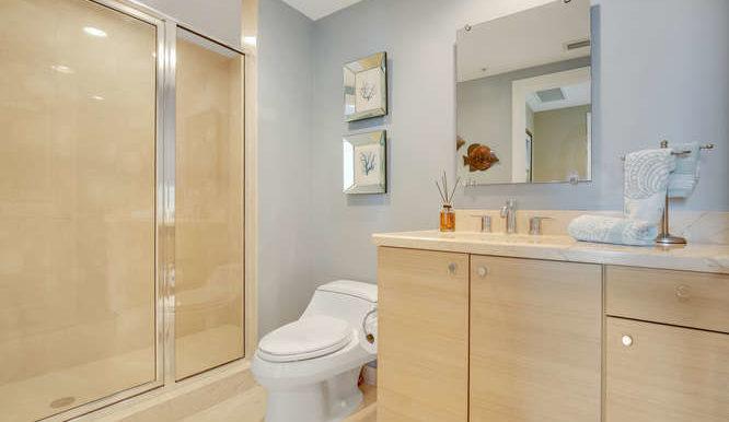 1 N Ocean Blvd Unit 1708-small-017-4-Bathroom-666x444-72dpi