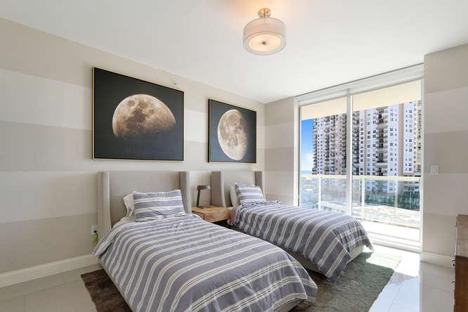 1 N Ocean Blvd Unit 501-small-015-20-Bedroom-666x444-72dpi