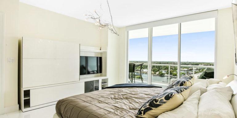 1 N Ocean Blvd 1013 Pompano-print-010-17-Master Bedroom-4200x2800-300dpi