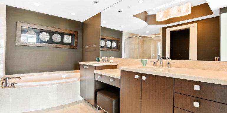 1 N Ocean Blvd 1013 Pompano-print-011-12-Master Bath-4200x2800-300dpi