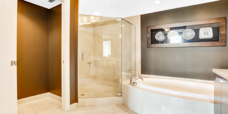 1 N Ocean Blvd 1013 Pompano-print-012-16-Master Bath-4200x2800-300dpi