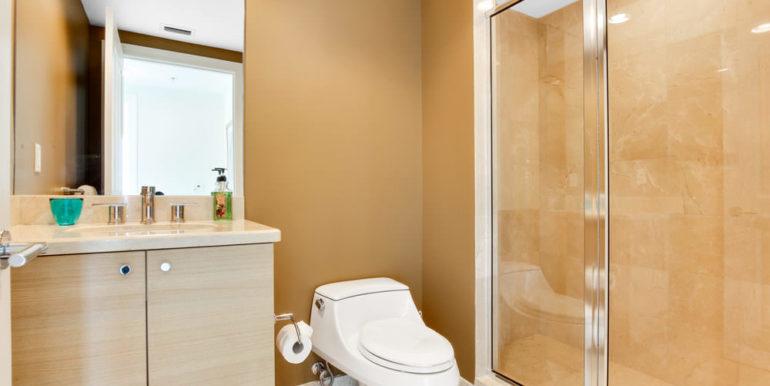 1 N Ocean Blvd 1013 Pompano-print-015-15-Bathroom-4200x2800-300dpi