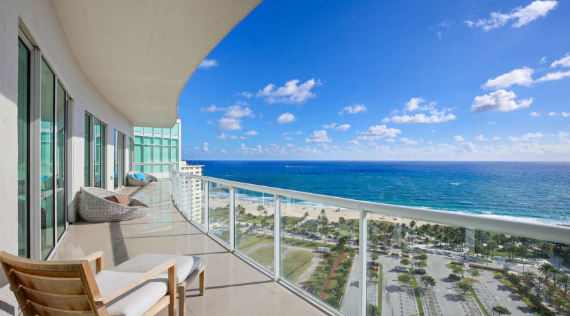 1-n-ocean-blvd-unit-ph3-large-001-5-balcony-1500x1000-72dpi