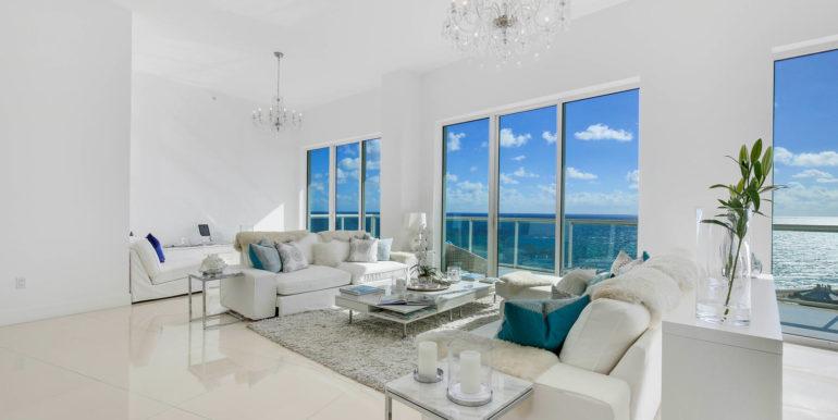 1-n-ocean-blvd-unit-ph3-large-003-4-living-room-1500x1000-72dpi
