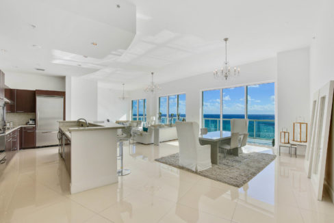 1-n-ocean-blvd-unit-ph3-large-007-1-kitchen-1500x1000-72dpi