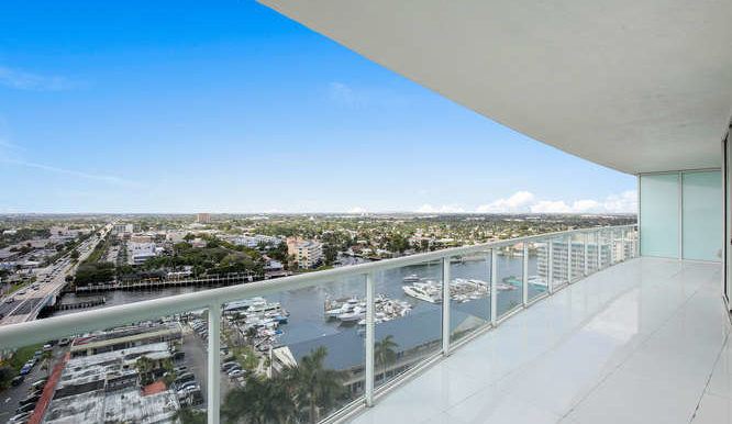 1-n-ocean-blvd-unit-1413-small-012-15-balcony-666x444-72dpi
