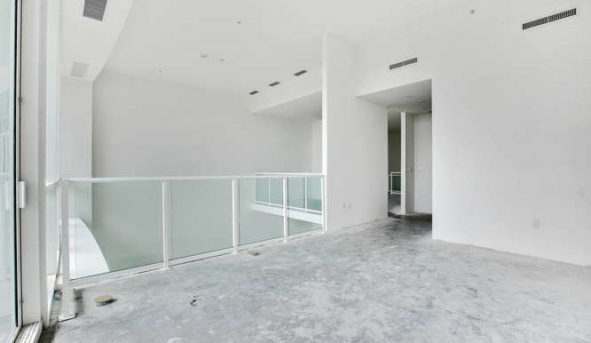 1-n-ocean-blvd-unit-203-small-015-8-loft-666x444-72dpi
