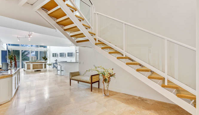 1-n-ocean-blvd-unit-204-small-001-4-staircase-666x444-72dpi