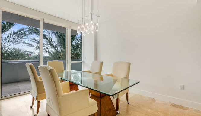1-n-ocean-blvd-unit-204-small-005-8-dining-room-666x444-72dpi