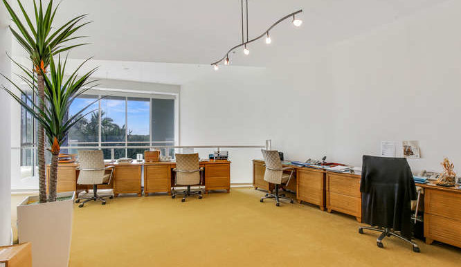 1-n-ocean-blvd-unit-204-small-013-16-office-666x444-72dpi