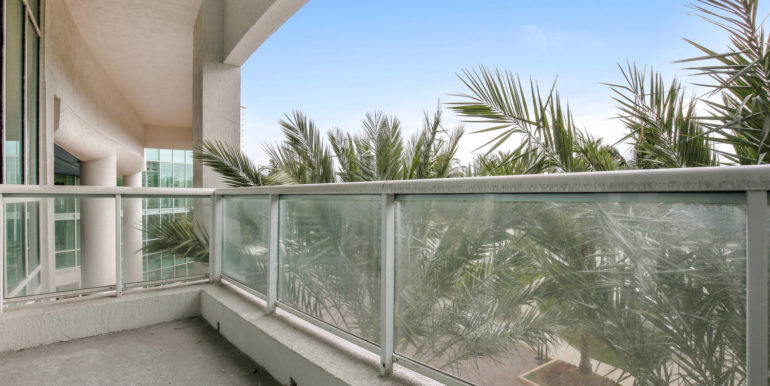 1-n-ocean-blvd-unit-205-large-020-18-balcony-1500x1000-72dpi