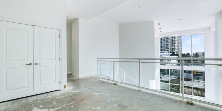 1-n-ocean-blvd-unit-207-large-010-14-loft-1500x1000-72dpi
