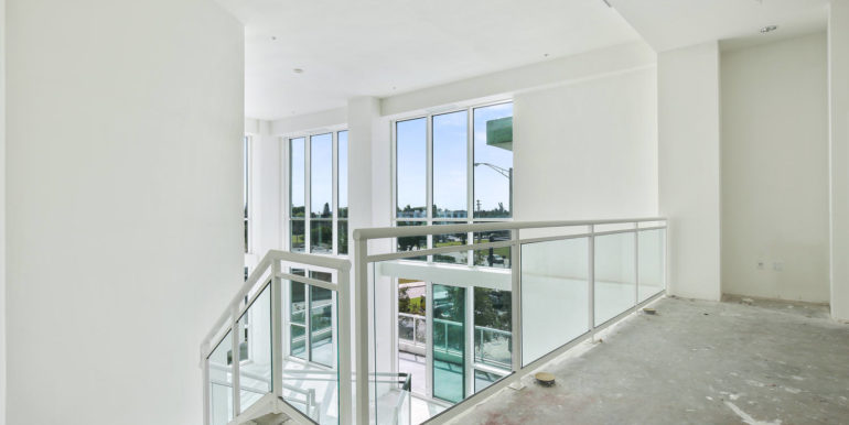 1-n-ocean-blvd-unit-207-large-011-5-loft-1500x1000-72dpi