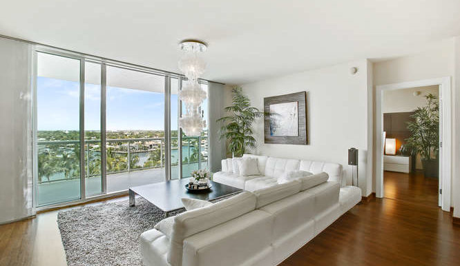1 N Ocean Blvd Unit 711-small-006-11-Family Room-666x444-72dpi
