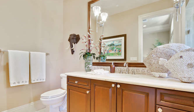 449 NE 19th Ave Deerfield-small-025-35-Bathroom-666x444-72dpi