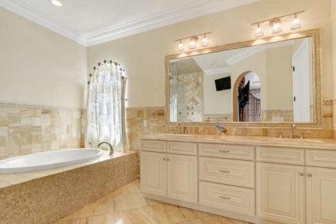 5560 Nassau Dr Boca Raton FL-small-017-32-Master Bath-666x445-72dpi