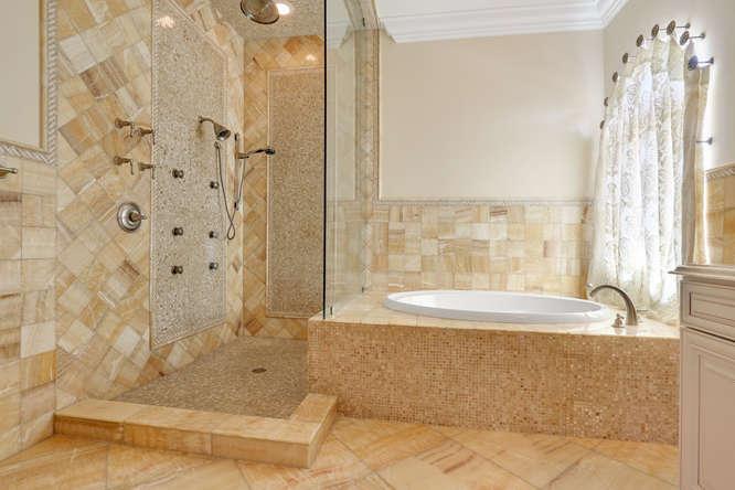 5560 Nassau Dr Boca Raton FL-small-018-36-Master Bath-666x444-72dpi