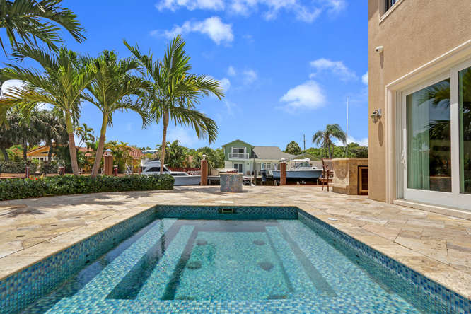 5560 Nassau Dr Boca Raton FL-small-028-31-Pool-666x445-72dpi