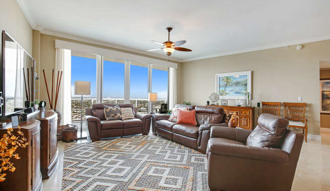 1 N Ocean Blvd Unit 1708-small-004-10-Family Room-666x444-72dpi