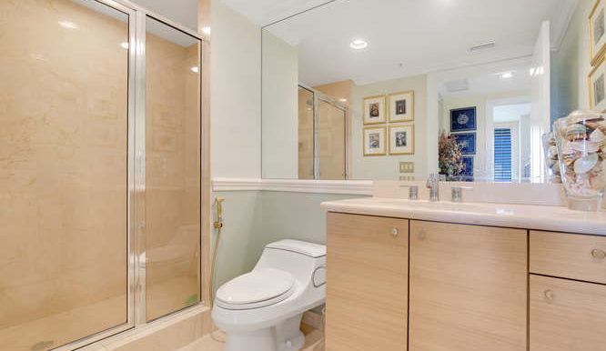 1 N Ocean Blvd Unit 808-small-017-1-Bathroom-666x444-72dpi