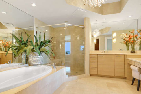 1 N Ocean Blvd Unit 501-small-012-5-Master Bath-666x444-72dpi