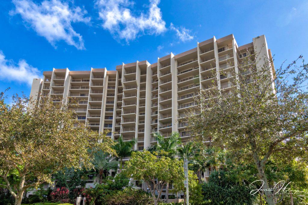 Hampton Beach Club Condominium